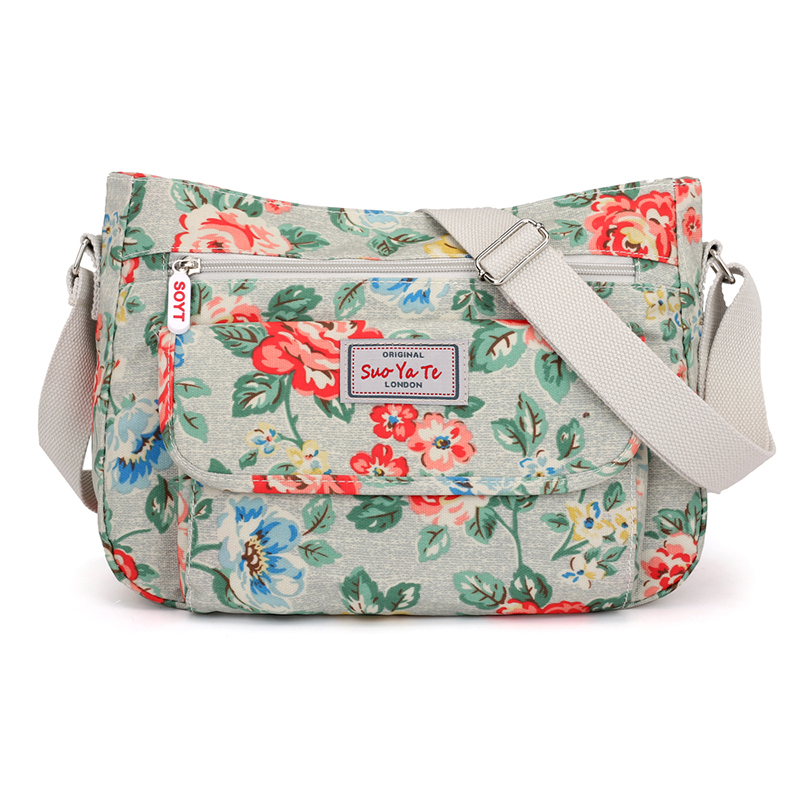 цена High Quality Waterproof Light Nylon Shoulder Bag Casual Floral Pattern Women Crossbody Bag Female Flap Messenger Bag Handbag