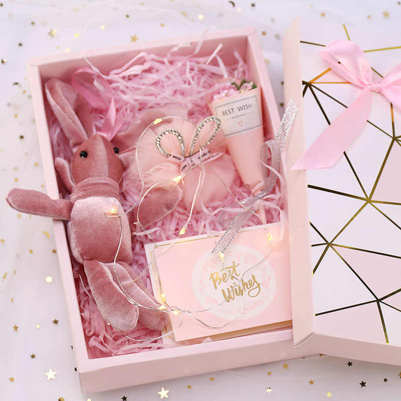 Pink Shredded Paper Raffia Diy Gift Box Paperboard Cookie Cake Packaging Box Hot Stamping Cardboard Luxury Wedding Candy Box
