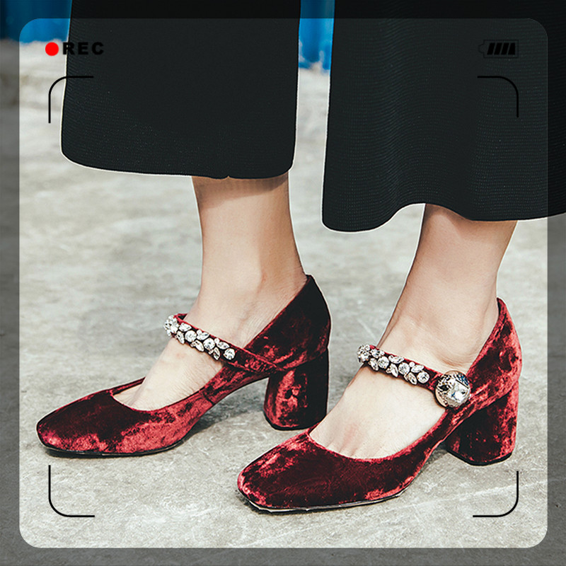 Retro Women Pumps Fashion Square Toe Thick High Heels Wedding Dress Shoes Woman Luxury Rhinestone 2017 New Sandals new fashion women casual shoes women sandals 2016 thick high square heels sandals black flock pumps