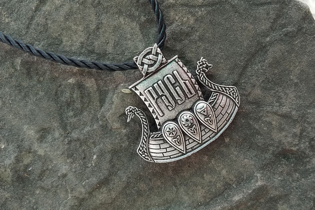 VICKING SHIP NECKLACE
