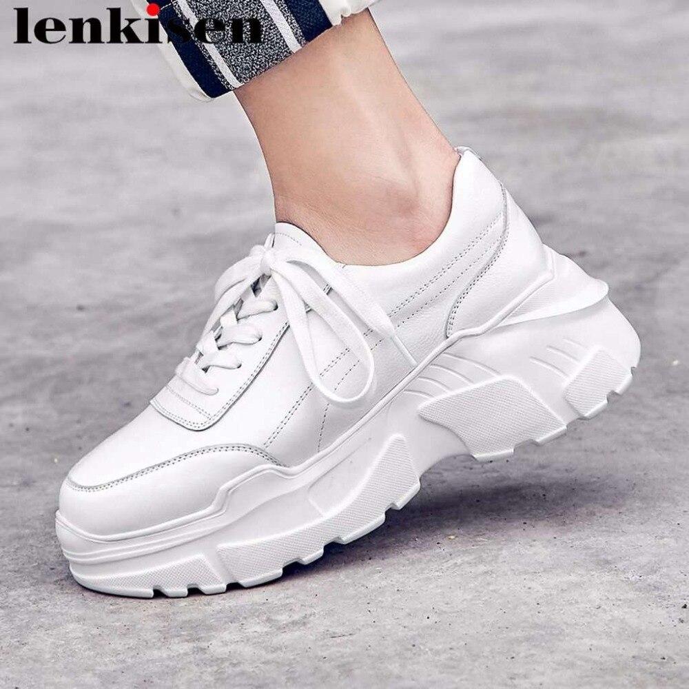 Ayakk.'ten Vulkanize Kadın Ayakkabıları'de 2019 yeni varış tam tahıl deri popüler beyaz sneakers yüksek alt platformu lace up muhtasar stil kadın vulkanize ayakkabı L97'da  Grup 1