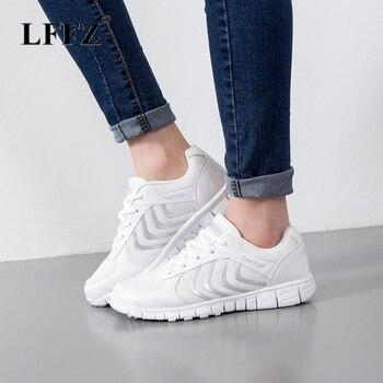 49bb86e2be3 Lzzf zapatos para caminar al aire libre de verano zapatillas de deporte  transpirables de malla plana zapatos vulcanizados de moda cómodos zapatos  casuales ...