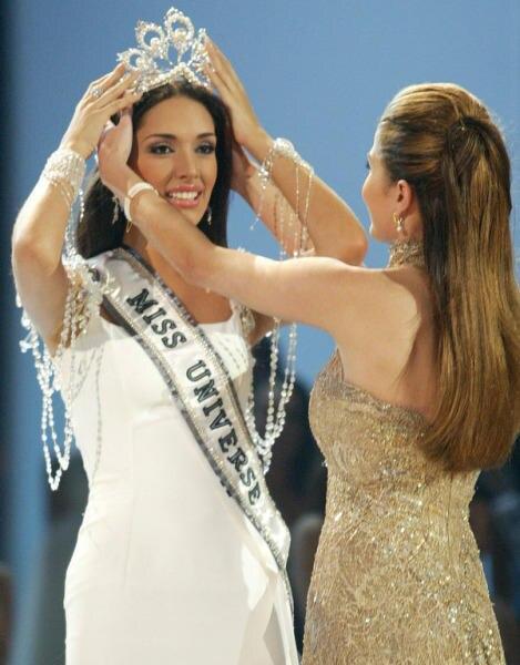 Miss Universo corona nova princesa Diana coroa de cristal e perola de pelo accesorios de boda cristal Tiara barroco corona