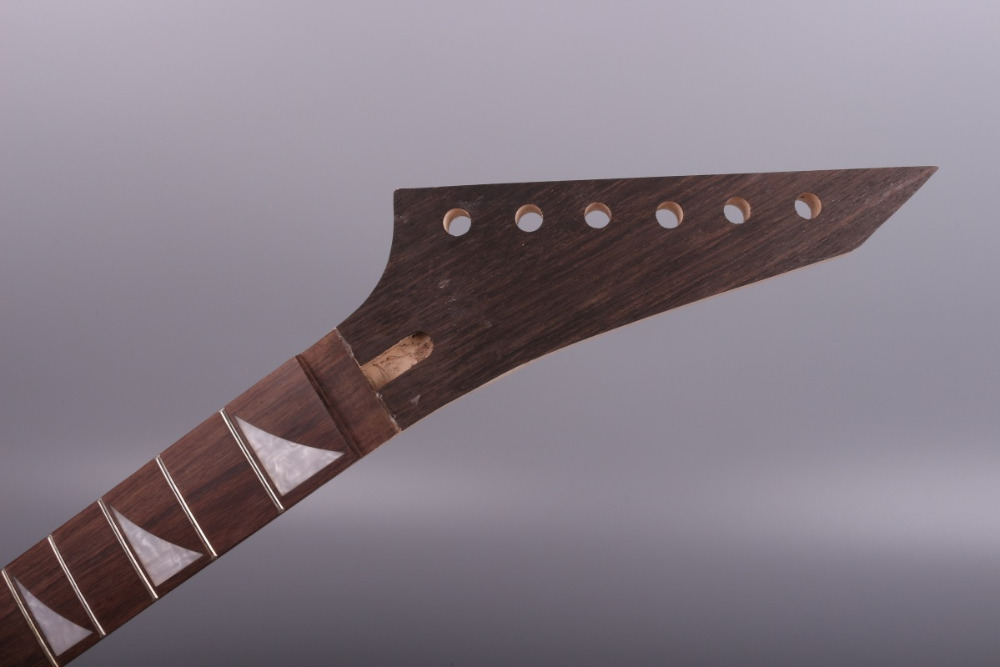 25.5 INCH unfinishede lectric guitar neck 24 fret floyd rose locking nut. maple made and rosewood fingerboard 031# unfinishede electric guitar neck 22 fret locking nut 628mm mahogany made and rosewood fingerboard