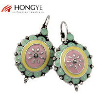 цены на Free Shipping Min Order $10 (Mix Order) New Arrival Vintage Women Silver Colorful Flower Ethnic Statement Drop Earrings Jewelry  в интернет-магазинах