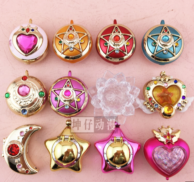 SMALL Pretty Soldier Sailor Moon Sailormoon Anime Mini Transformation Brooch Crystal Star Compact Plastic Non-eating Candy Toy