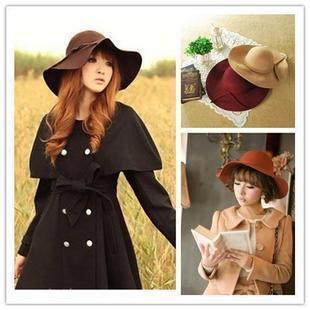 Ретро-шляпа с широкими полями фото