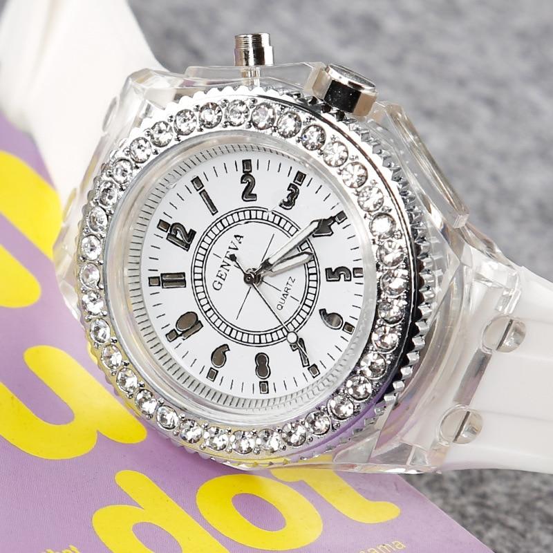 Leecnuo светодиодная светящаяся вспышка часы индивидуальные тренды студенческие влюбленные Jellies парные часы 7 цветов светильник наручные часы