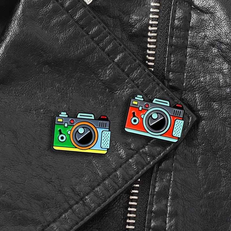 Красный зеленый цвет брошь в виде фотокамеры 2 цвета Радуга цифровая камера эмалированные булавки пальто Кепка Рюкзак фотография и детский значок подарки