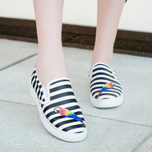 2016 New luxury desinger flats women casual shoes gg big size parrot printing blue black red stripe brand loafers real leather