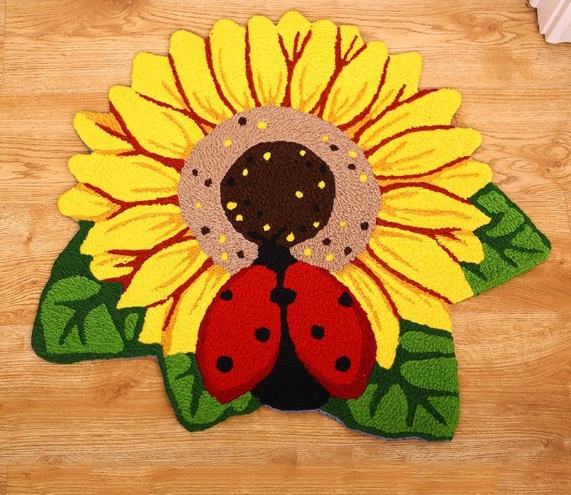 New Design Sunflower Rug Round Floor Mat for Bedroom Round Carpet for Kids Red Beetle Rug for Children Carpet Baby Rug Floor Pad