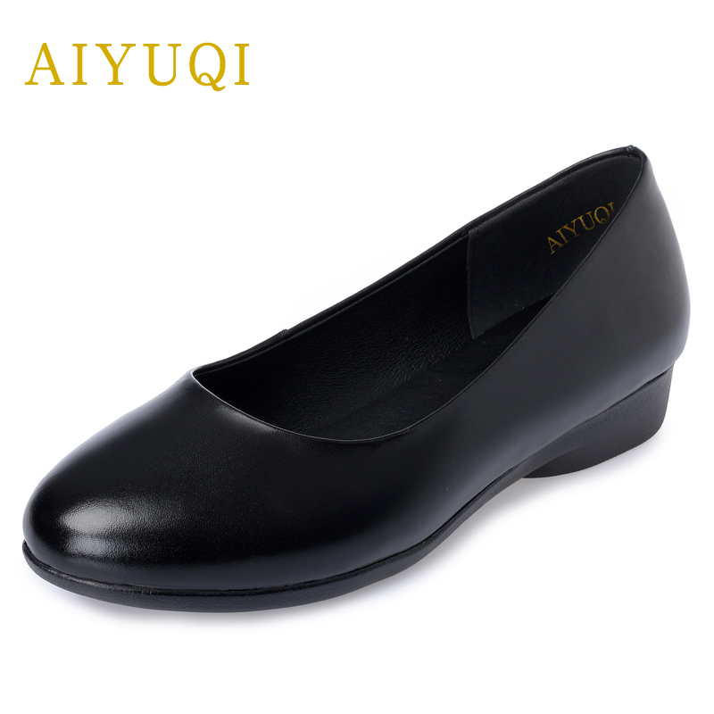 все цены на AIYUQI 2018 New Spring genuine Leather Women Flats shoes Work Round Shallow mouth Slip Old Mum Shoes Female plus size 41#42#43#