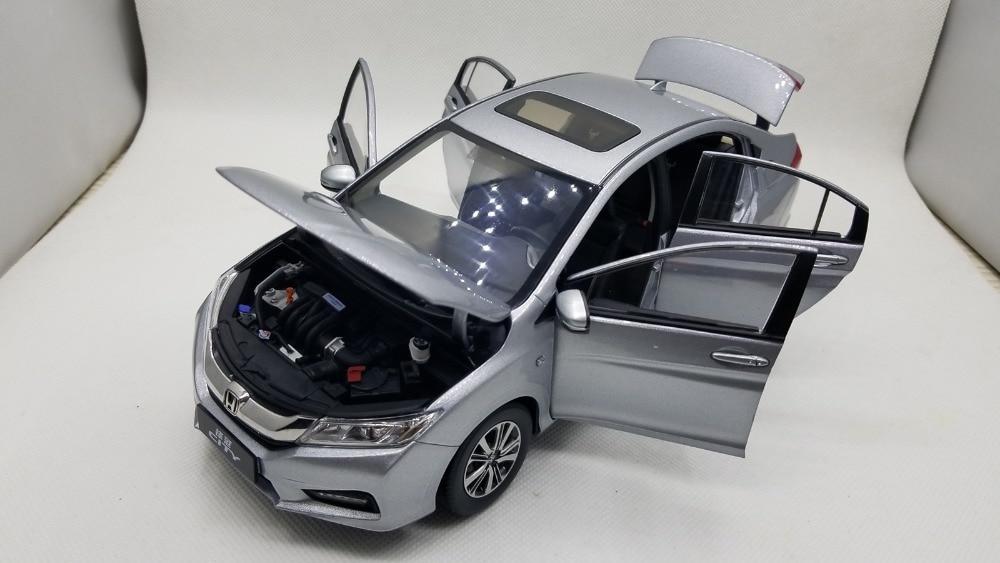 NEW 1//18 Honda City 2018 Diecast Metal Car Model Toy Boy Girl Gift White//Blue