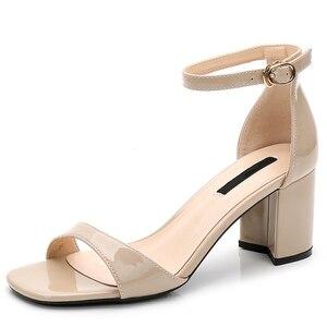 Image 1 - Zapatos de tacón alto para mujer, sandalias romanas gruesas con punta abierta, talla pequeña 31 32 33 40, estilo europeo, novedad de verano de 2019