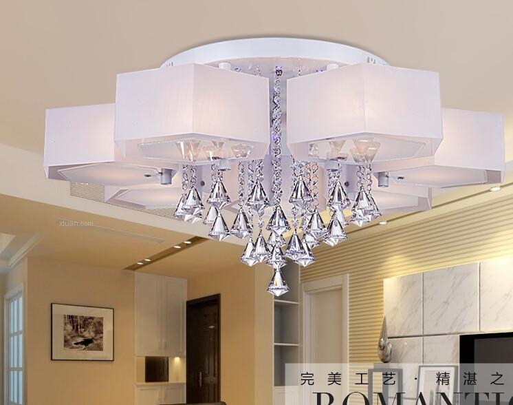Elegant Slaapkamer Met Plafond Hanglamp  Inspiratie