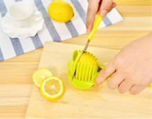 цены 1PC Tomato Slicer Fruits Cutter Potato Lemon Shreadders Slicer Kitchen Cooking Tools Random Color KX 023