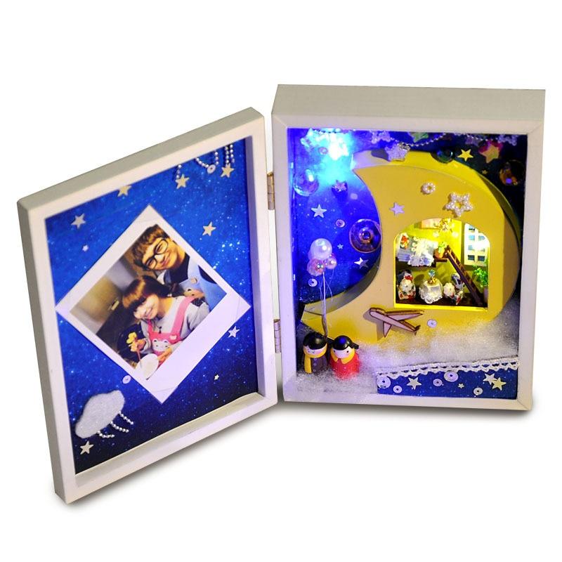 Girls Kids Childrens Wooden Nursery Bedroom Furniture Toy: 3D Diy Moon Can Put Photos Photo Frame Wooden Miniature