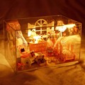 Hoomeda DIY de Madeira casa de Boneca Princesa Quarto Kits Com LED + Móveis + Capa de Montagem de Casa De Bonecas Em Miniatura Brinquedos Artesanais para criança