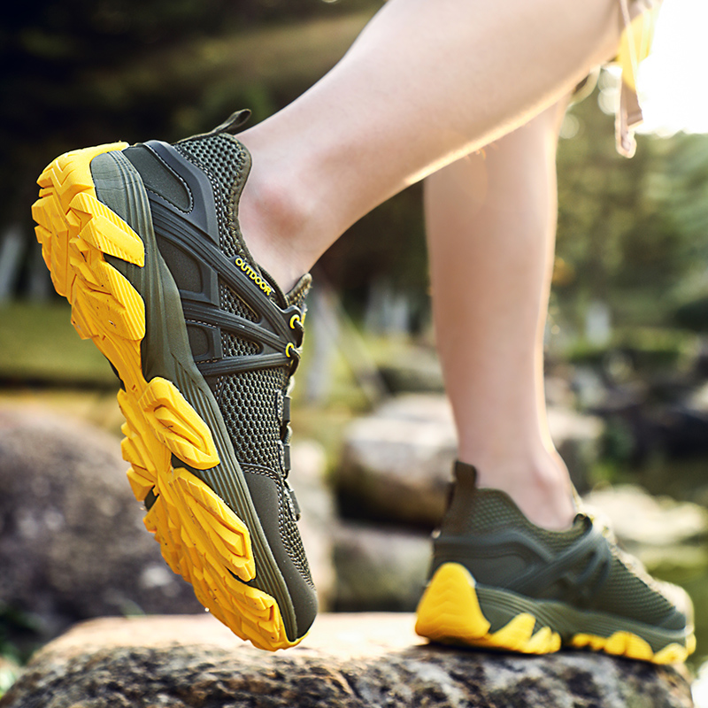 Summer Mesh Men Hiking Shoes Walking Trekking Mountain Climbing Shoes Breathable Sports Sneakers Men Tactical Mountain Shoes