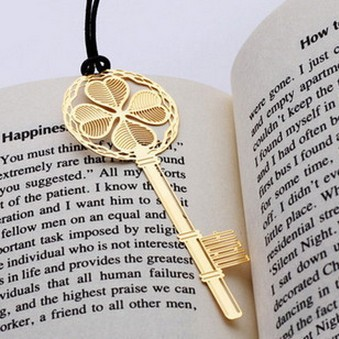 20pcs/set Vintage Bookmarks Cartoon Clover Key with rope plated gold stainless steel Share tab for books metal bookends gift replacement conductive rubber contact for psp 2000 3d joystick 10 pack