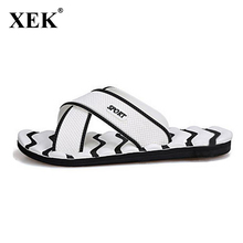 2017 Men Slippers New Lightweight Casual Plaid Stripes Sandals Summer Fashion Men Classic Flip flops Hot Soft Beach Shoes  XC19