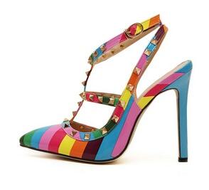 2017 novas Mulheres Sapatos Da Moda Apontou Toe Sapatos de Salto Alto Mulheres Bombas Rainbow Rebites Sandálias Zapatos Mujer Sapatos de Casamento