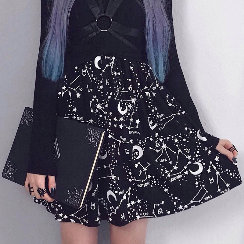 Fashion Summer Style Women Skirt 2019 Sexy Star Moon Print short Skirt Europe and America Version Mini A-line Saia black skirt