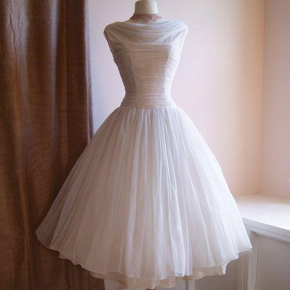 iLoveWedding A-Line Cocktail Dresses Formal Tulle Scoop Sleeveless Pleat Zipper Tea Length Party Prom Gowns