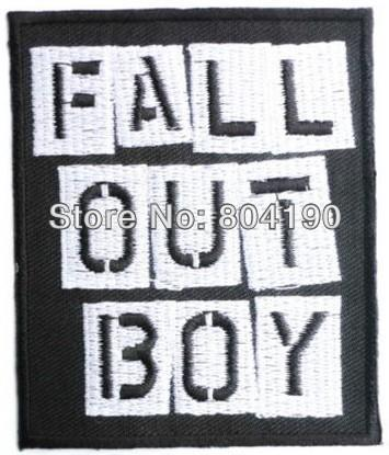 FALL OUT BOY Heavy Metal Band Music Iron On/Naaien Patch Tshirt TRANSFER MOTIF APPLIQUE Rock Punk Badge-in Lappen van Huis & Tuin op  Groep 1