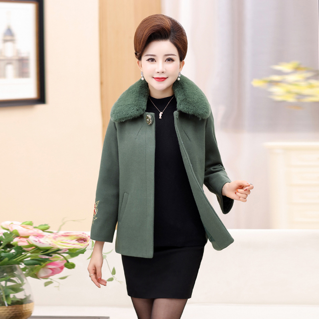 ac2db102424d Young mother autumn fur coat 40 years old 50 middle-aged women s shirt  fashion 2018