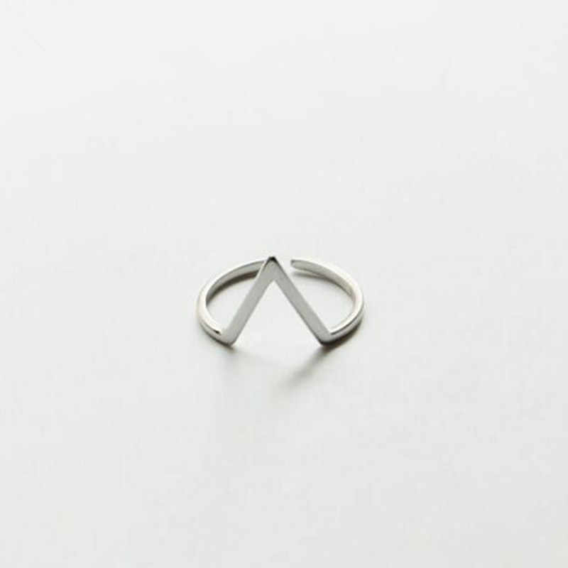 Koren Fashion Jewelry 925 Sterling Silver Simple V Word Opening Element Personality Beautiful Ring   SR112