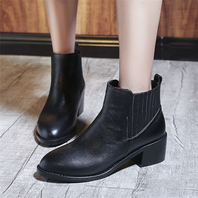 High quality genuine leather Shoes Elastic band Med thick heel ankle boots 2017 fashion women boots martin boots Plus Size 34-43 elastic band women genuine leather ankle boots chelsea hand made shoes motorcycle coincise fashion black matte women s boots