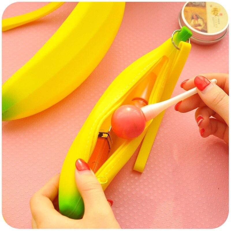 1 X Novelty Silicone Portable Banana Coin Pencil Case Purse Bag Wallet Pouch with Metal Zipper Keyring Bolsas Carteira Feminina