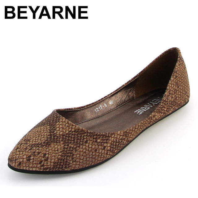 BEYARNE sapatilhas femininos pointed toe sexy decoration serpentine pattern all-match comfortable soft surface women flats
