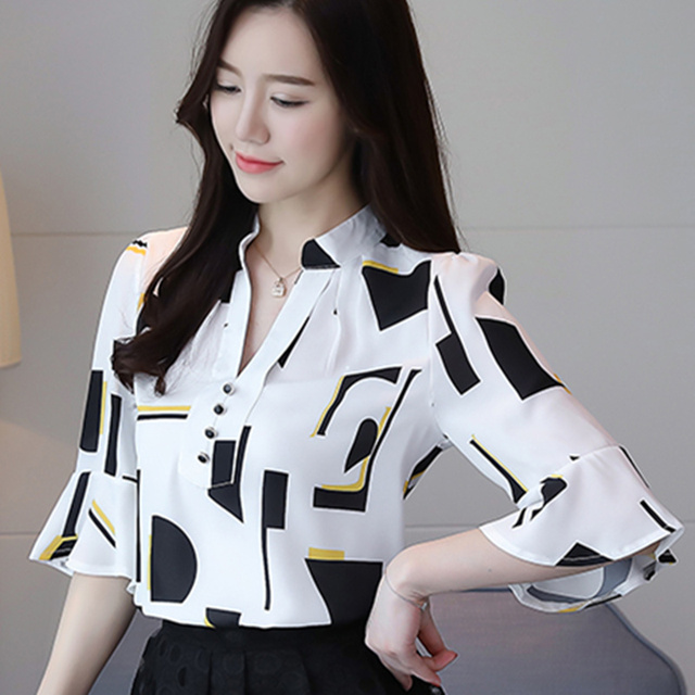 d584d5ebe36 Women Casual Print Chiffon Blouse Femme Short Flare Sleeve Loose Ladies  Shirts Tops 2018 Summer New Fashion Plus Size Top Blusas