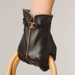 Image 3 - Nieuwe 2020 Verkoop Schapenvacht Lederen Handschoenen Vrouwen Solid Fashion Pols Winter Handschoen Swallow Tailed Stijl Gratis Verzending L050PC
