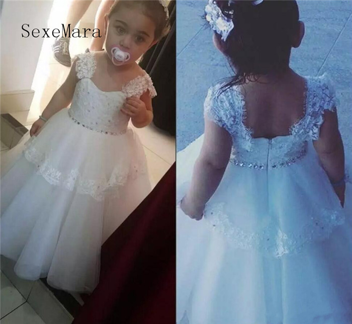 Real Pictures Flower Girls Dresses for Wedding Cap Sleeve Beaded Lace Girls First Communion Gown Pageant Dress Size 2 4 6 10 12Real Pictures Flower Girls Dresses for Wedding Cap Sleeve Beaded Lace Girls First Communion Gown Pageant Dress Size 2 4 6 10 12