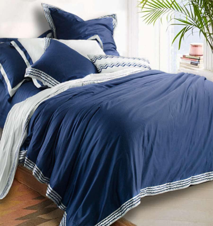 Ensemble de literie brodé bleu coton 100%, complet reine roi tendance solide double literie drap plat taie d'oreiller housse de couette