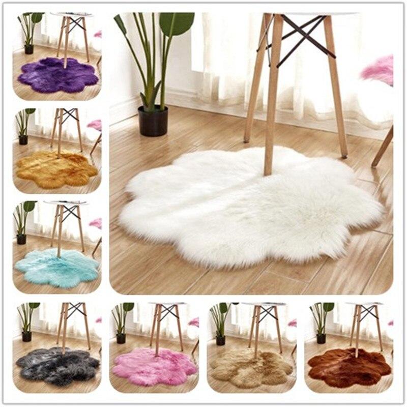 Peau de mouton artificielle tapis en fourrure douce forme de fleur couverture de chaise de chambre à coucher Long tapis moelleux laine chaude tapis poilu coussin de siège