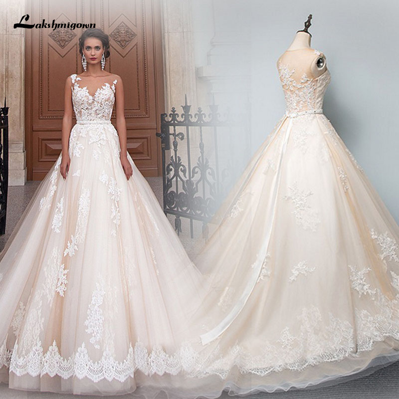 Champagne Wedding Dresses with ivory Lace Appliques Bridal Dress Muslim Plus Size Lace Wedding Dress 2019