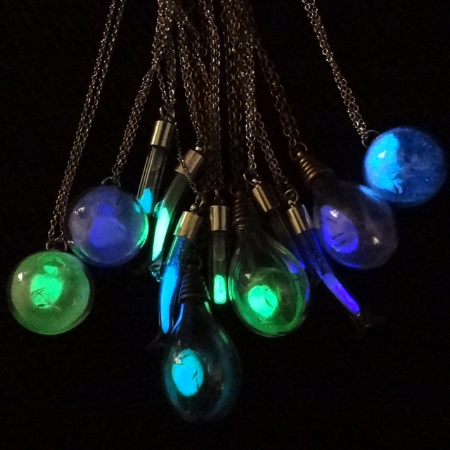 Fashion Creative Hourglass Luminous Short Necklaces for Women Children Party Glass Tube Pendant Necklace Jewelry Accessories
