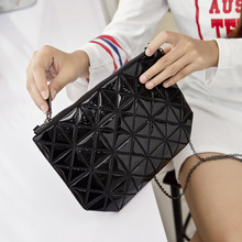 Fashion Geometric Zipper Cosmetic Bag Women Laser Flash Diamond Leather Makeup Bag Ladies Cosmetics Organizer Chain Bag
