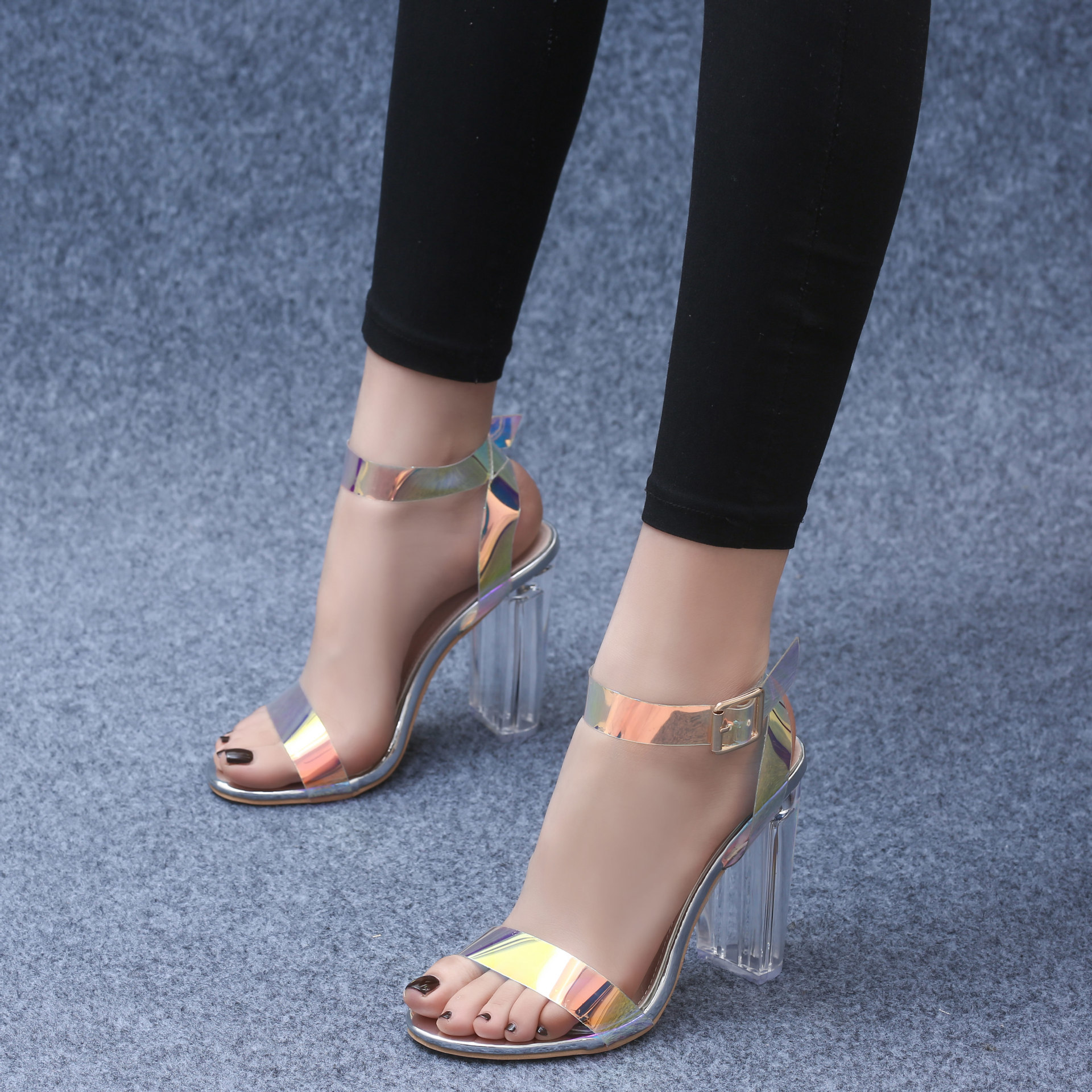 2019 Sandals Super Word Sandals Transparent Crystal High-heeled Shoes Woman2019 Sandals Super Word Sandals Transparent Crystal High-heeled Shoes Woman