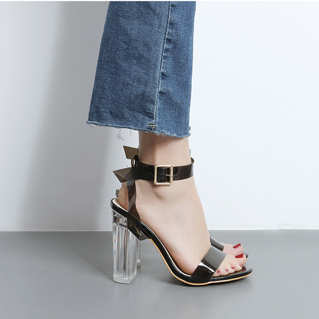 ФОТО Fashion Clear Transparent Ankle Strap Chunky High Heels Sandals Women Pumps Celebrity Wearing Strappy Buckle Sexy Shoes