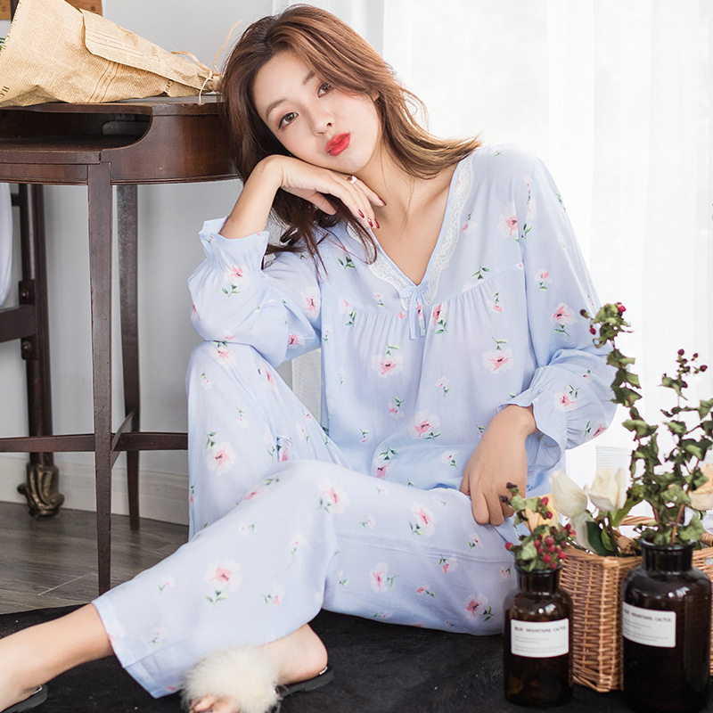 2019 new spring and autumn new long sleeved pajamas set sweet print lace top pants 2pcs pajamas women V neck home clothing pink in Pajama Sets from Underwear Sleepwears