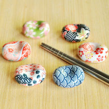 2pcs/lot Japanese Chopsticks Rack Ceramic Chopsticks Holder Chopsticks Stand Colorful Handcraft  MT 004 sr 50pcs lot 004 p004