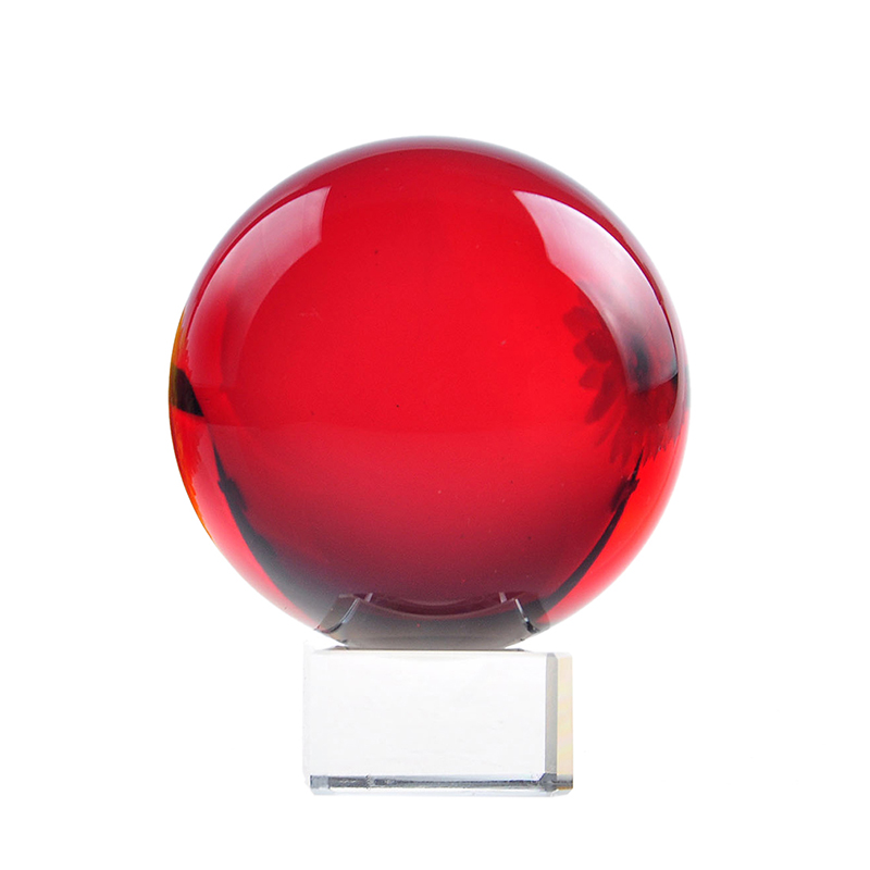 HOT di Alta qualità 70mm Rare Quarzo Naturale Sfera Di Cristallo Rosso Sfera Magica con base Chakra Guarigione Casa della decorazione Del Partito