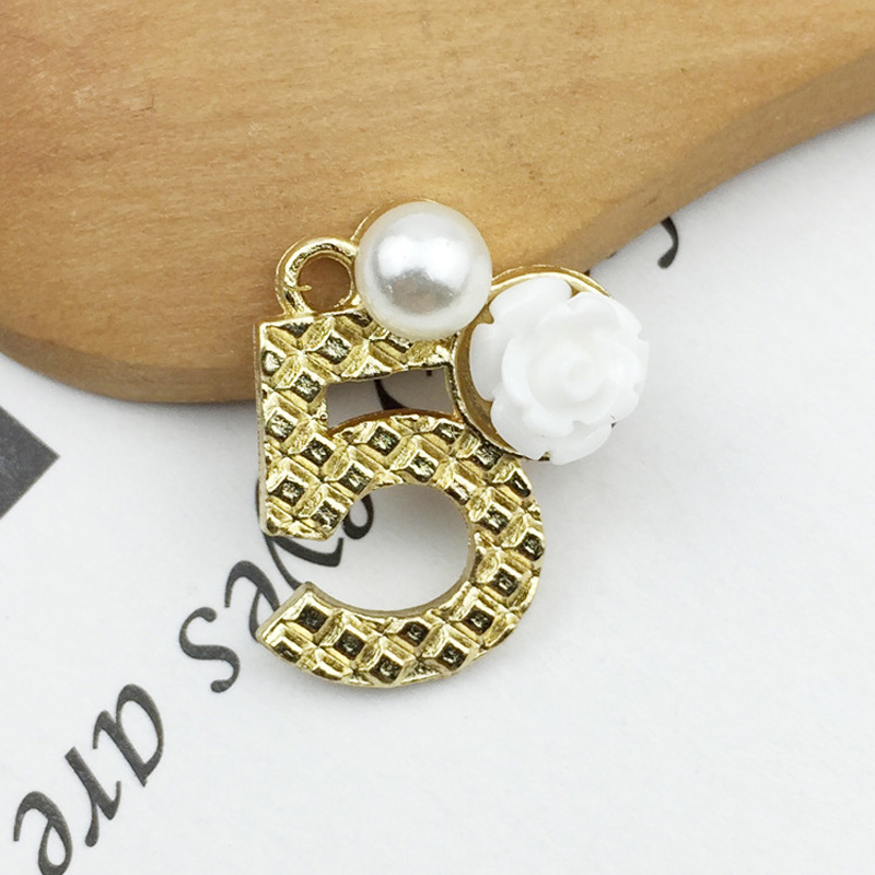 10pcs pack Pearl Number 5 Resin Flower Charms Bracelets Pendant Five Shape For DIY Earring Jewelry Gold color Making Craft YZ058 in Charms from Jewelry Accessories