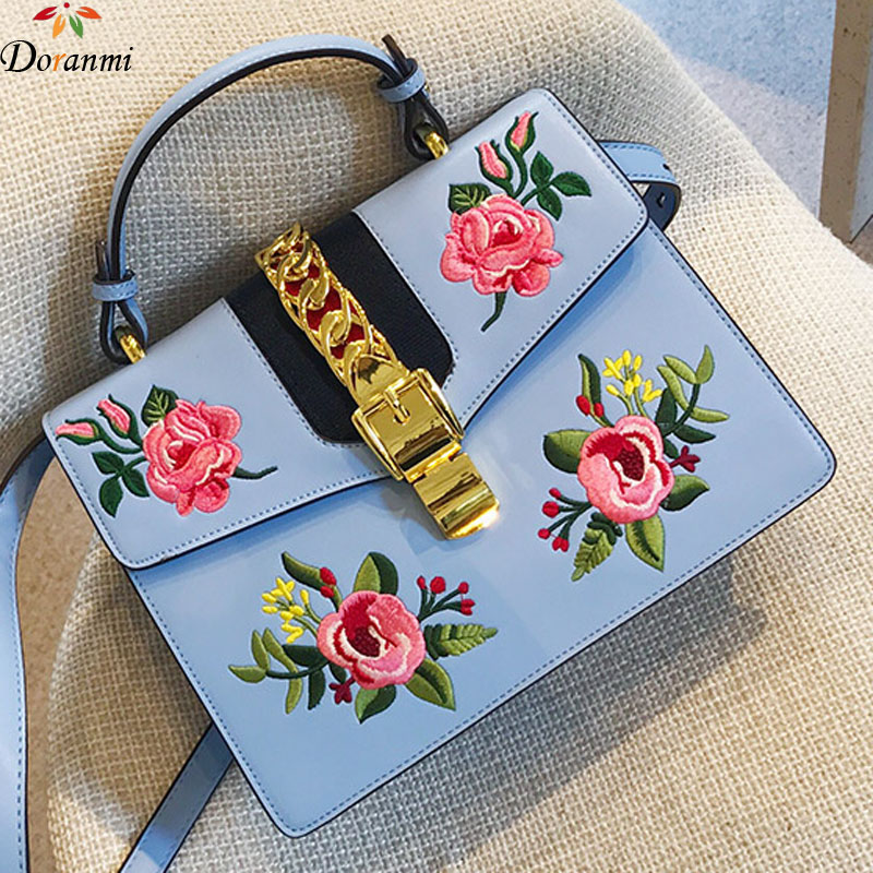 DORANMI Flower Embroidered Square Flap Bags For Women 2018 Luxury Brand Designed Chic Crossbody Bag Messenger