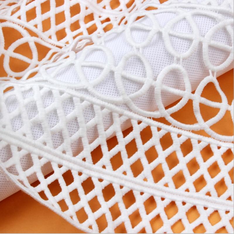 Offre spéciale ordinateur brodé dentelle Tissu évider Polyester tissus couture robe Tissu au mètre Telas Costura Patchwork Tissu